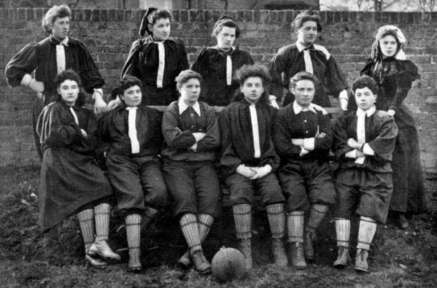 Equipe écossaise de football en 1881.