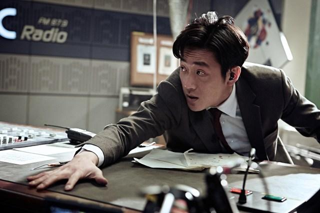 Ha Jung-woo hangs on to his news desk