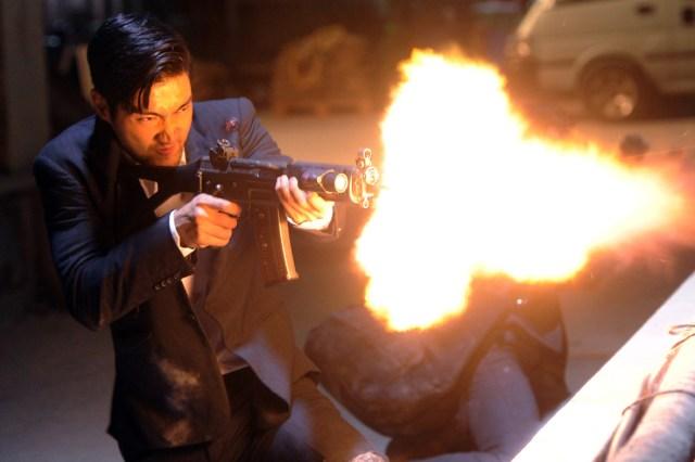 Choi Siwon blazes away!