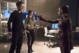 "The Flash -- ""Trajectory"" -- Image FLA216b_0109b -- Pictured (L-R): Tom Cavanagh as Harrison Wells, Danielle Panabaker as Caitlin Snow, and Allison Paige as Trajectory -- Photo: Katie Yu/The CW -- © 2016 The CW Network, LLC. All rights reserved."