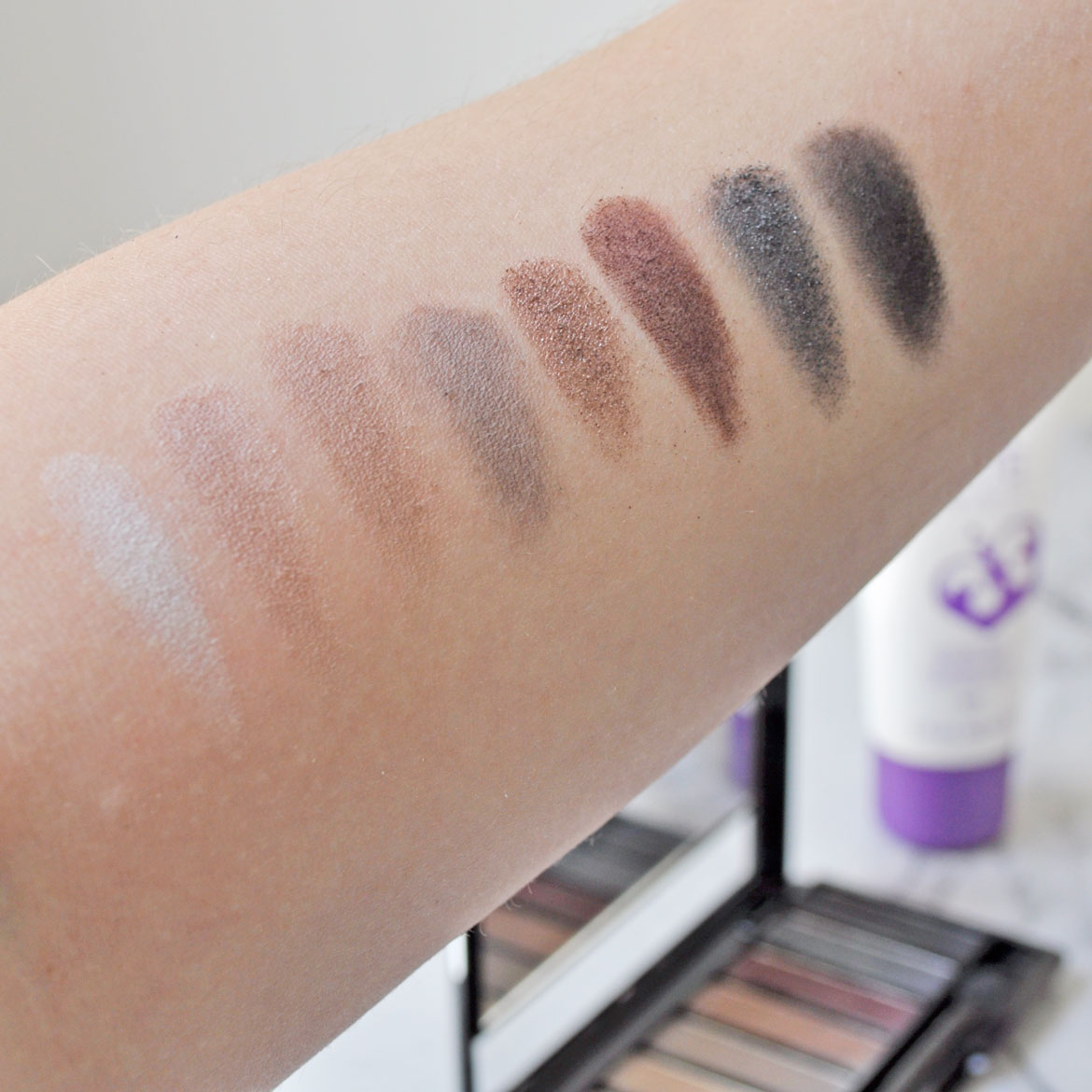 rimmel-magnifieyes-palette-swatches