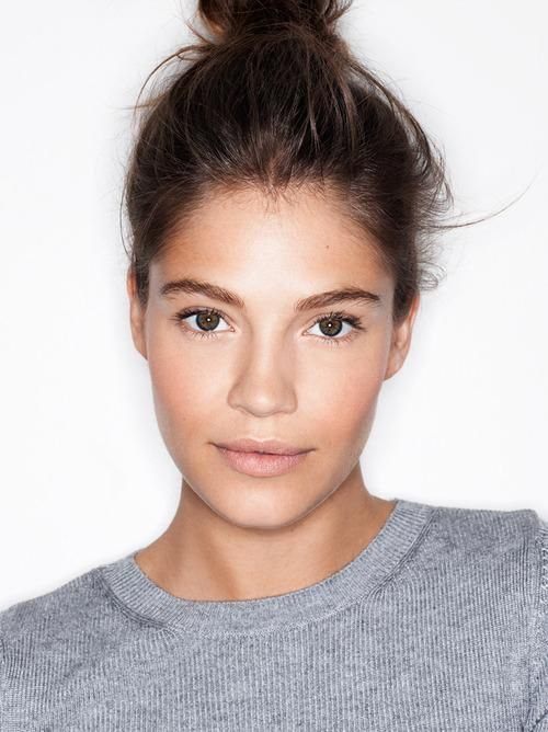 Photo: Henry Leutwyler We've seen it everywhere from runways to magazine covers —the no-makeup makeup look. The concept is simple: makeup that complements your features, without it looking like you are actually wearing any at all. Related:Get Perfectly Flushed Winter Cheeks The focus is on perfecting the skin, so start with concealing any blemishes. Use a yellow-based concealer to cover any red or purple color around the eyes.