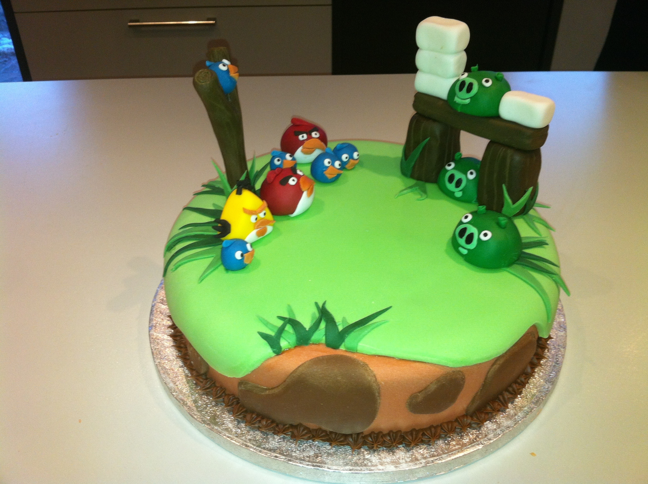Pictures Of Angry Birds Birthday Cakes : Angry birds cake   Cakes by Melissa