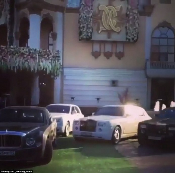 32A70D0800000578-3514779-Luxury_cars_including_Rolls_Royces_and_Bentleys_were_seen_parked-a-18_1459301110777