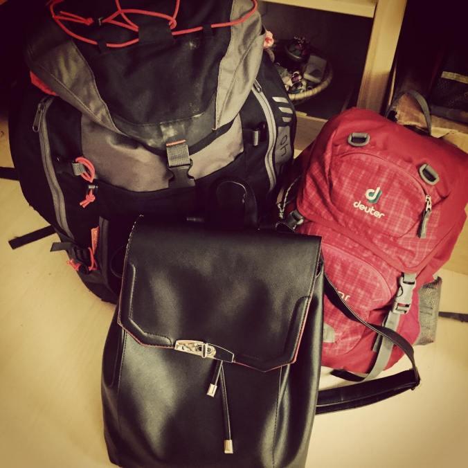 Es geht los: neuer Blogpost www.herzblutfaktor.de #thailand2015 #ReisenmitKind #backpacking #Reisevorbereitung #aufnachTegel #TXL