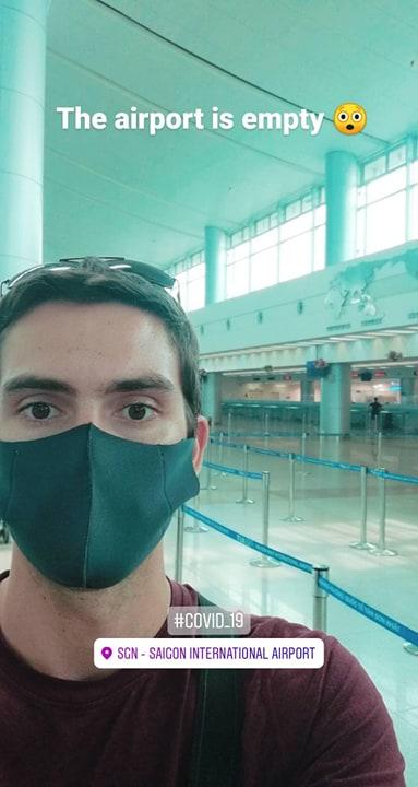 empty airport due to coronavirus