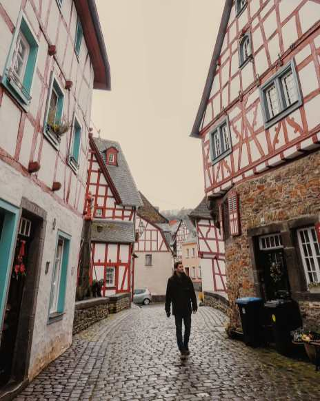 Old town of Monreal in the Eifel