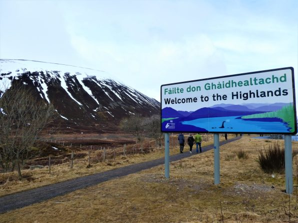 Welcome to the Highlands Sign