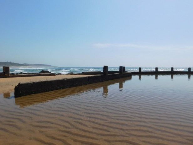 Wide shot of the tidal pool at low tide