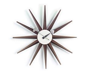 Vitra Sunburst Clock in walnoot
