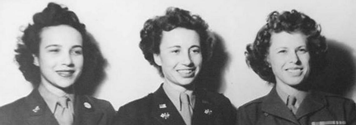Seconde Guerre mondiale Amies lesbiennes engagees dans l'armee américaine lors de la Seconde Guerre mondiale heteroclite