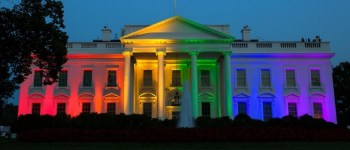 la Maison Blanche illuminée aux couleurs de l'arc-en-ciel credit White House Press Office