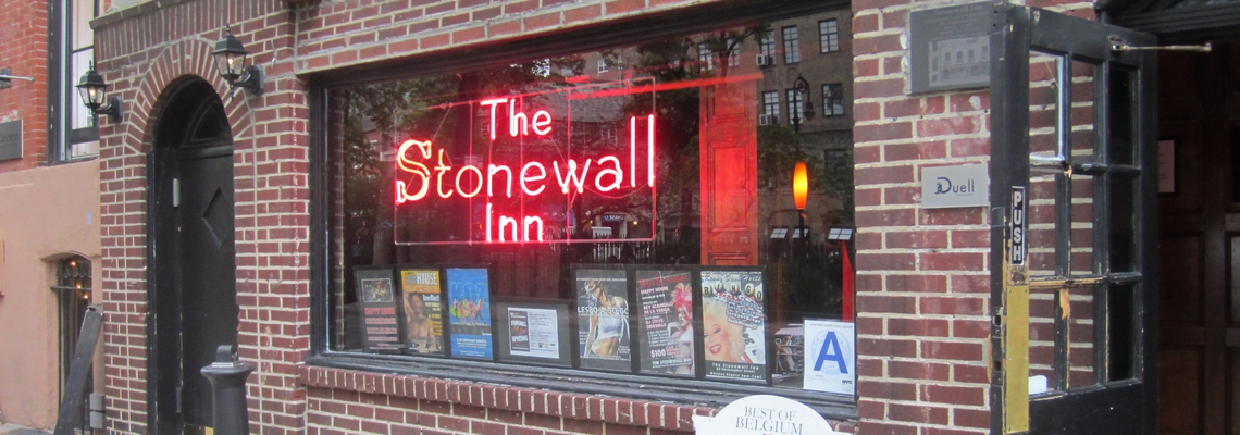 the stonewall inn greenwich village new york marche des fiertés lgbt