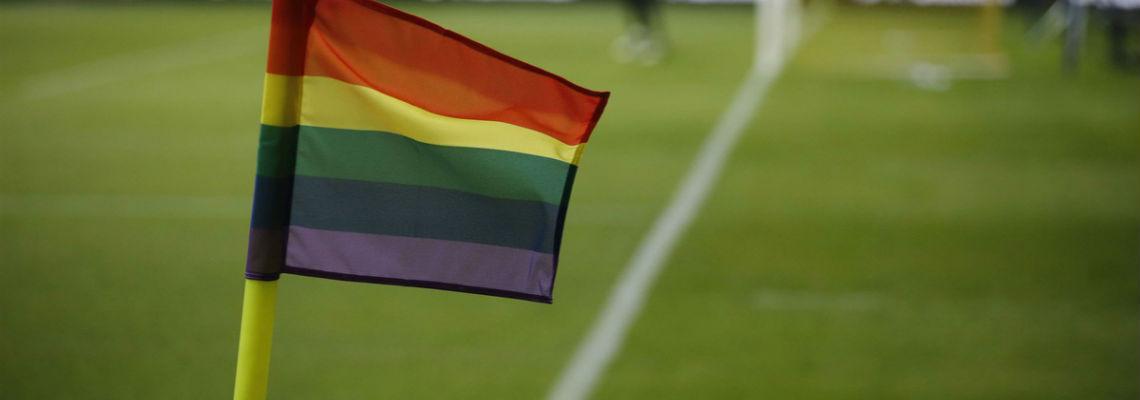 L'homosexualité dans le foot Drapeaux LGBT homosexualité dans le foot Heteroclite @JensDresling