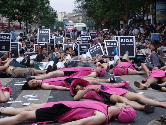 die-in-act-up-paris