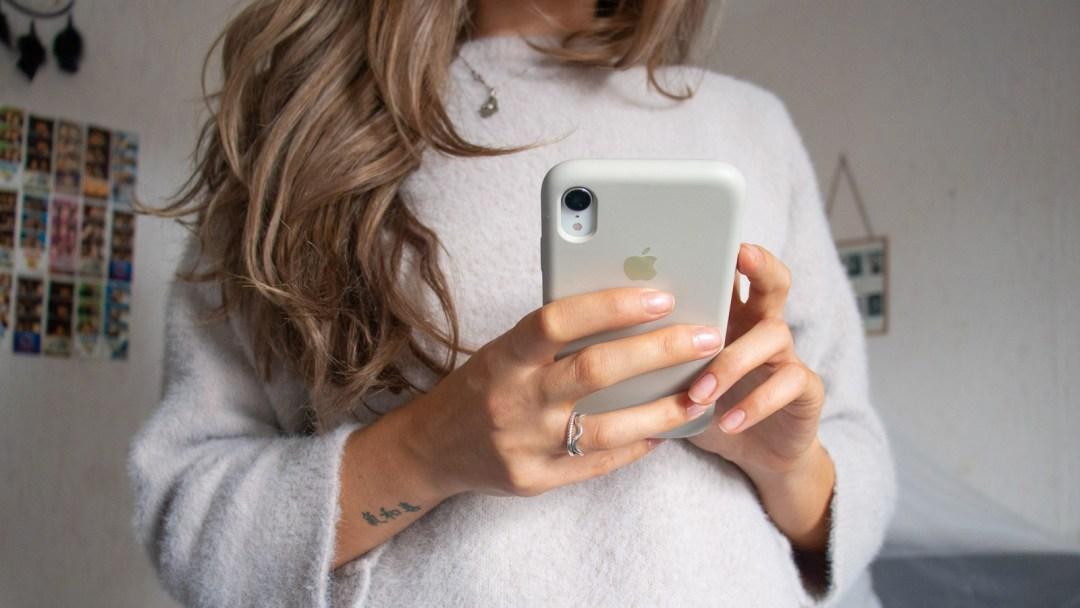 schermtijd verminderen Phone detox stoppen met social media telefoon telefoongebruik minderen (1)