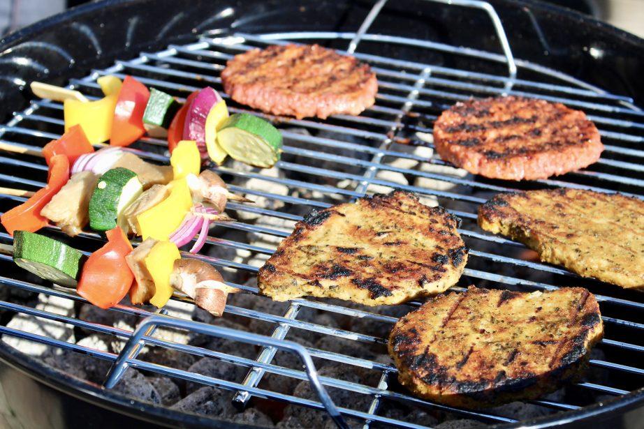 Hoe organiseer je een vegan barbecue?