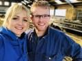 tv Yvon Jaspers en melkschapenhouder Jan Blom
