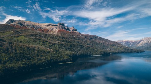 Point de vue drône du Lago Falkner
