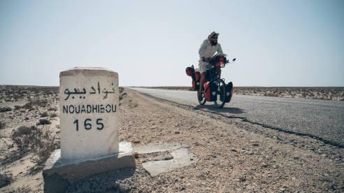 ça pédale dur pour rejoindre la capitale de la Mauritanie