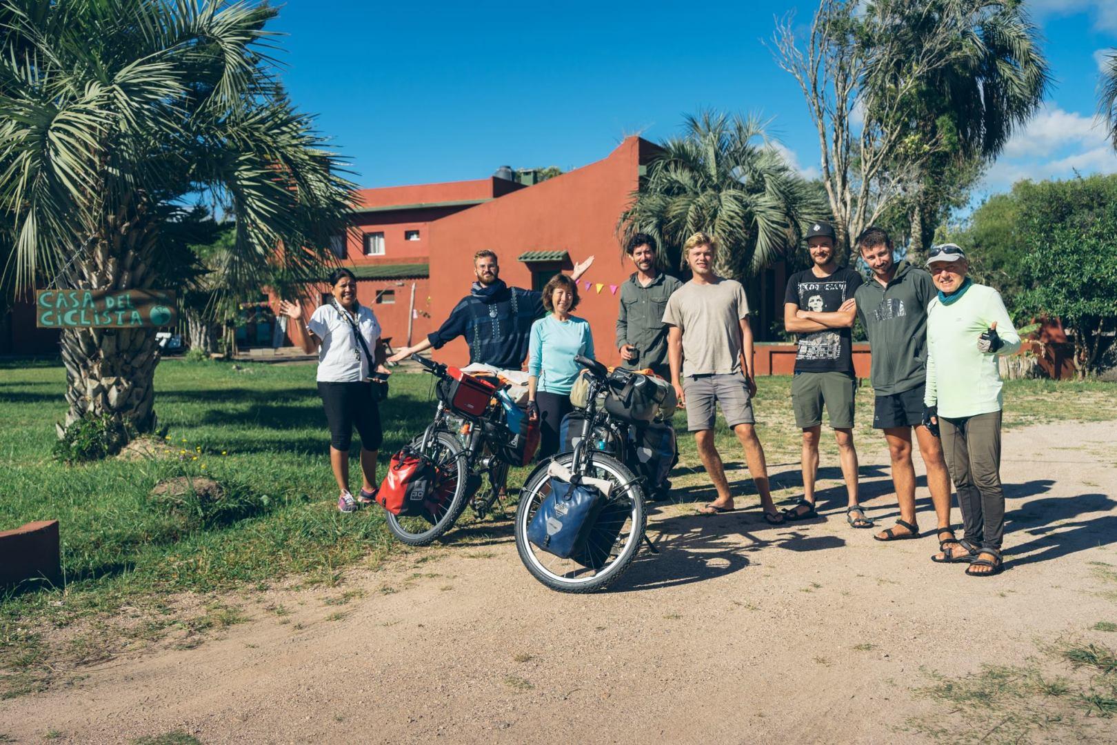 Il y avait plusieurs cyclistes à la Casa del Ciclista