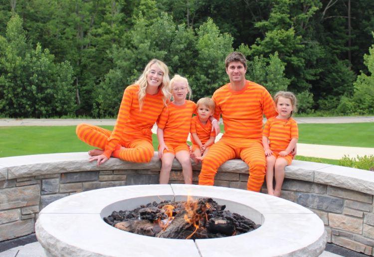 heyitsjenna hanna andersson family pajamas