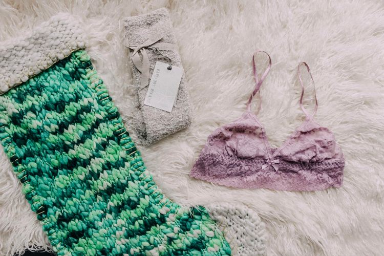 stocking stuffer gift guide christmas for her