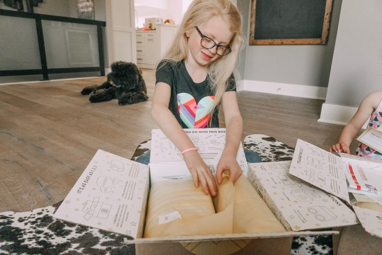 clothing subscription box for kids