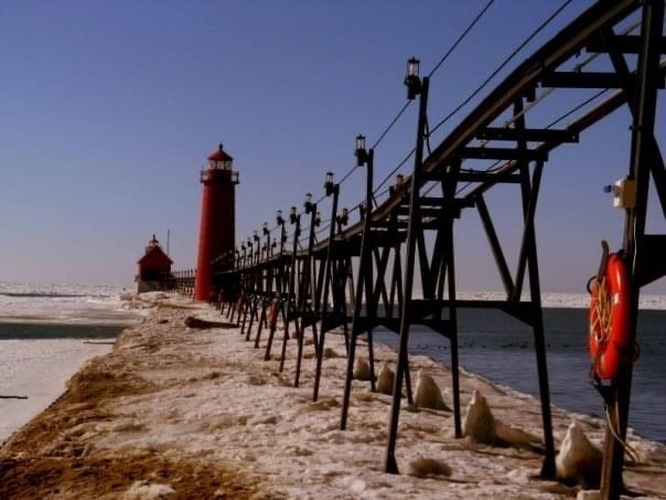 grand haven lighthouse south pier beach town travel guide