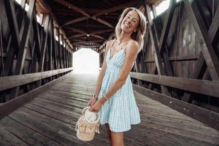 #pinklilystyle heyitsjenna blogger michigan pink lily blue dress