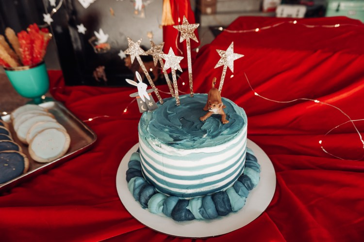 magic show birthday cake with shooting stars gold cake topper