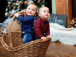 Ensemble bébé jean et chemise à carreaux