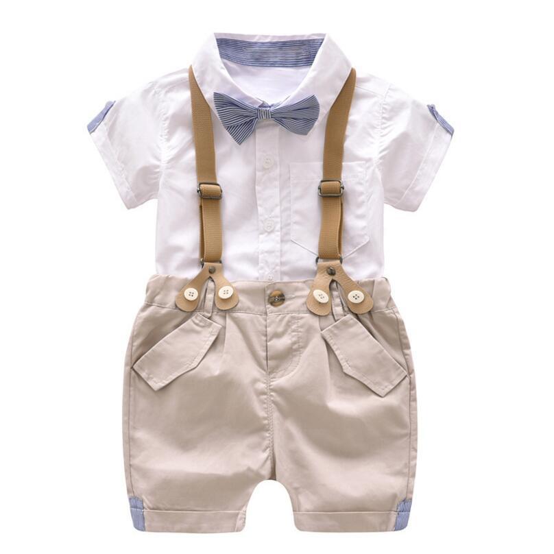 1130c7542c2b5 Ensemble garçon - Bermuda avec bretelles, chemise et nœud papillon ...