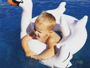 Bouée enfant en forme de Cygne blanc