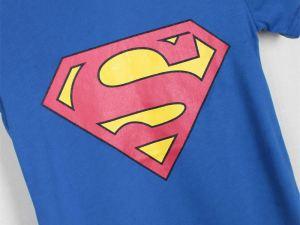 T-shirt bleu avec logo Superman taille enfant