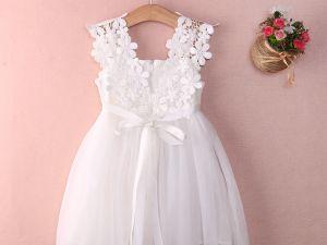 Robe courte dentelle blanche fille pour cérémonies