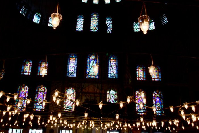 Hanging lights - Blue Mosque