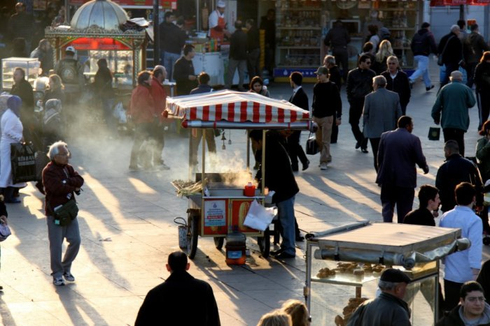 Street food cart on Eminonu square