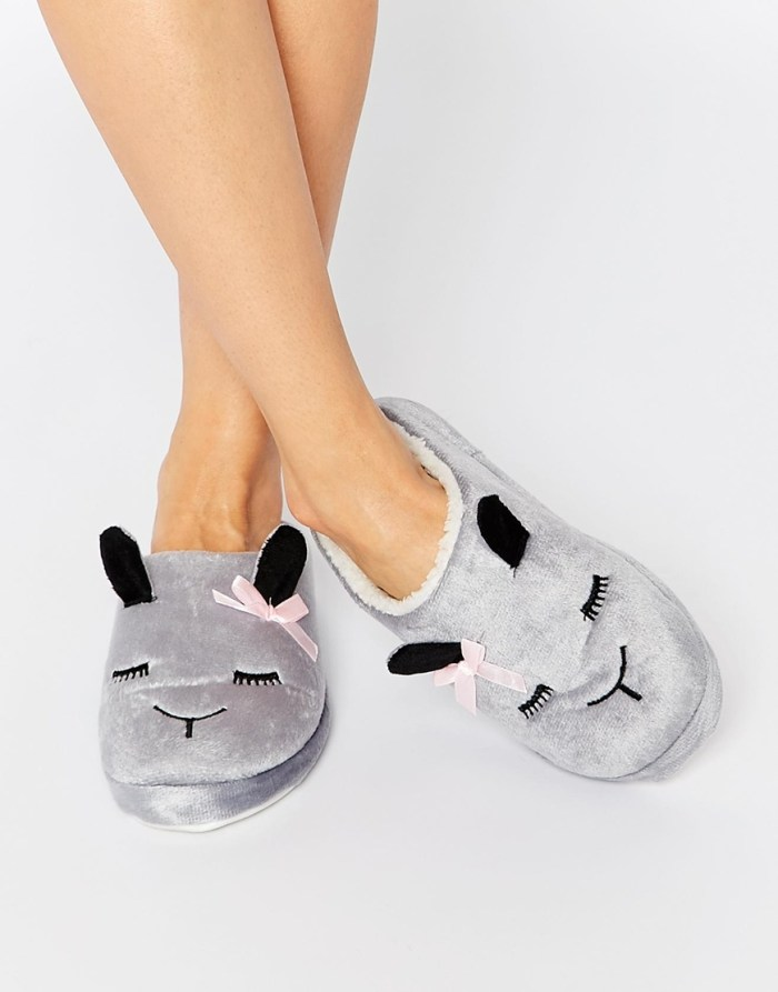 HeyRashmi gift guide - Daisy Street Sleepy Sheep Slippers
