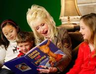 Dolly Parton shares the gift of literacy