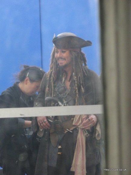 Pirates of the Caribbean 4 set photos 3