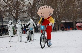 Family Guy - It's a Snow Trap-4