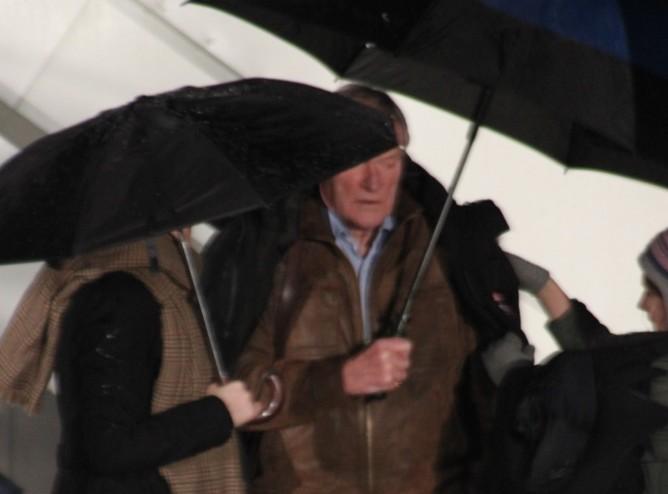 Airborne Set Visit - Feb 2011-36