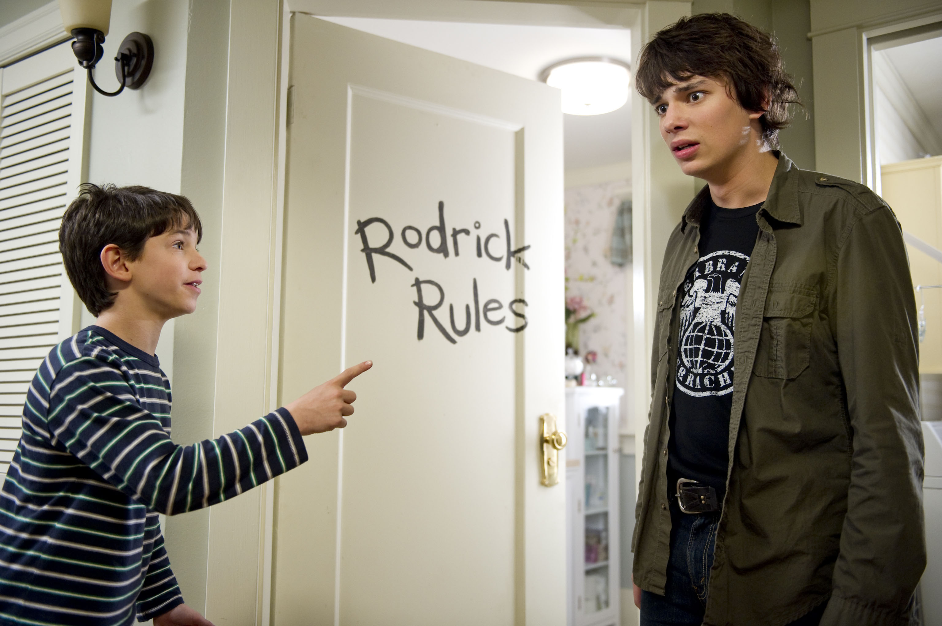 Review Of Diary Of A Wimpy Kid Rodrick Rules Heyuguys