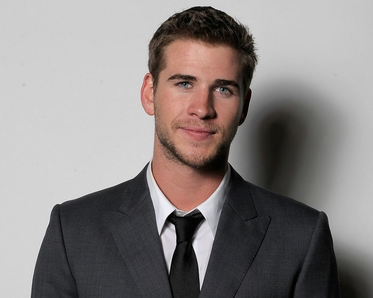 Liam Hemsworth Set To Take The Lead For Phillip Noyce S Sci Fi Film Timeless Heyuguys