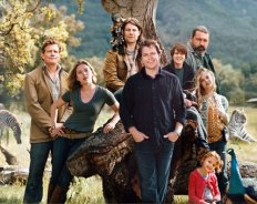 "Joining star Matt Damon in this composite photo made up of multiple photographs are Thomas Haden Church, left, as Benjamin's accountant brother, Duncan; Scarlett Johansson as park caretaker Kelly Foster; Patrick Fugit as handyman Robin, with monkey Crystal; Colin Ford as Benjamin's son, Dylan; Angus MacFayden as Peter MacCready, a stubborn genius whom Crowe dubs ""our Robert Shaw in Jaws""; Elle Fanning as all-around helper Lily, Kelly's niece; and Maggie Elizabeth Jones as Benjamin's daughter, Rosie."