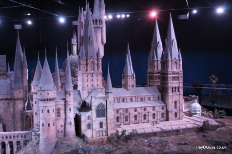 Harry Potter Studio Tour - Hogwarts Model - HeyUGuys (7)