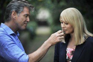 Pierce Brosnan and Trine Dyrholm in Love Is All You Need