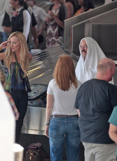Portia de Rossi and David Cross on Arrested Development Set