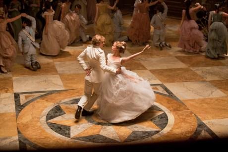 Aaron Taylor-Johnson and Alicia Vikander in Anna Karenina 4